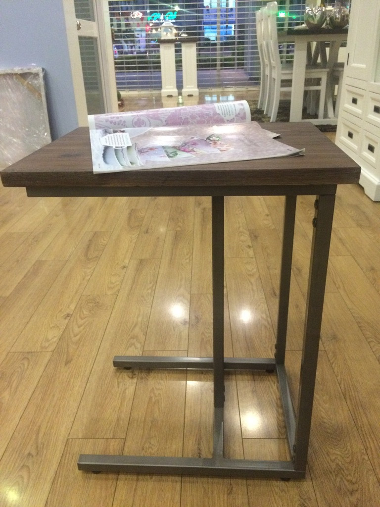 Surrey (Laptop table)