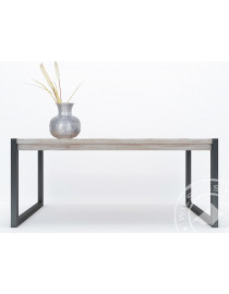 Oliver (Dining table)